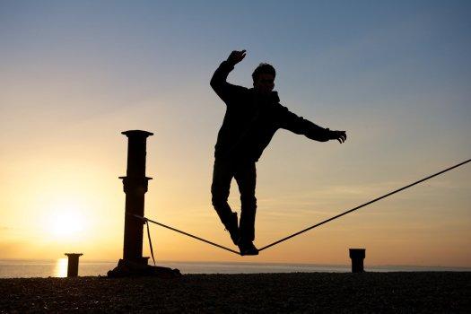 tightrop-walker-brighton-daily-photo-beach-143