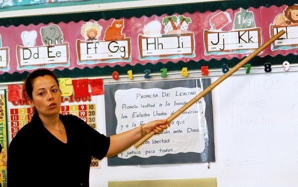 monolingual-hispanic-students-learn-english