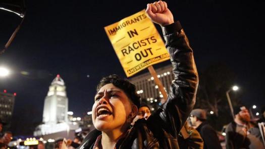 la-me-immig-arrest-protest-pictures-20170209-001