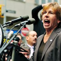 The AFT's Weingarten sells out New York teachers in defense of heath care privatization.